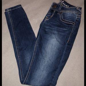 Denim - Skinny Jeans With Back Pocket Design